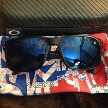 Oakley Holbrook Polarized Glasses  Photo