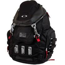 Oakley  Kitchen Sink Backpack - Black Nwt Great Christmas Present Photo