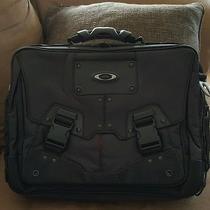 Oakley Messenger/laptop Bag Photo