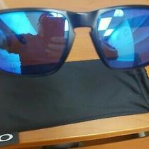 Oakley Sunglasses Holbrook Matte Black Prizmatic Frame Prizm Sapphire Polarized  Photo