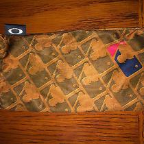 Oakley Sunglasses Mlb Microfiber Cleaning Sleeve Photo