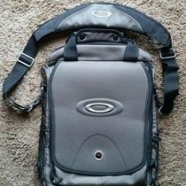 Oakley Vertical Computer Bag Photo