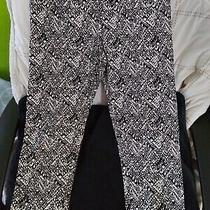 Old Navy Cropped Leggings Medium Black and White Pattern Photo