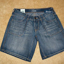 Old Navy Jean  Shorts  Style Name the Diva    Size 2   Nwt Photo