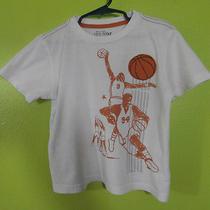Old Navy Toddler Boys Round Neck T-Shirt Sz 5t Basketball Jump Shot Hoops Photo