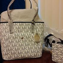 Original Michael Kors Handbag Photo