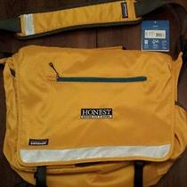 Patagonia Half Mass Messenger Bag - Laptop Sleeve Photo