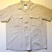 Patagonia Mens L  Casual Button Down Short Sleeve Outdoor Shirt Photo