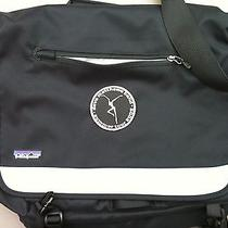 Patagonia Messenger Shoulder Bag With Computer Sleeve Insert Photo