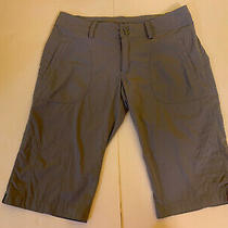 Patagonia Shorts Women's Size 6 Casual Flat Front Outdoors Hiking Sage Green Photo