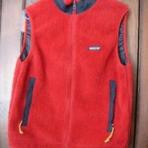 Patagonia Women's Red and Navy Full Zip Vest Size M Photo