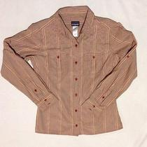 Patagonia Women's Size 8 Long Sleeve Button Down 2 Pocket Shirt Photo