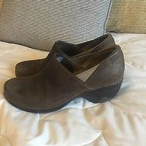 Patagonia Womens 9.5 Brown Leather Shoes Photo