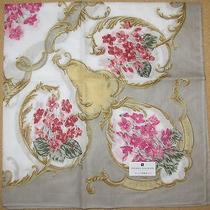 Pierre Balmain Sumire Violet Handkerchief /daruma Photo