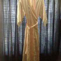 Pink Christian Dior Robe Photo