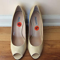 Pour La Victoire Beige Nude Patent Leather Wedge Reverse Crazy Heel Shoes 9.5 Photo
