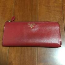 Prada Purse Prada Red Zip Chuck Louis Vuitton Coach Red Photo