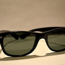 Ray Ban Classic Black Wayfarer Photo