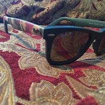 Ray Ban Wayfarer Polarized Photo