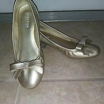 Reaction Girls Dress Shoe Size 4 Gold With Bow and Costume Jewels for Decor. Photo