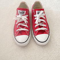 Red Low Top Converse  Photo