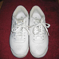 Reebock Princess Athletic Shoe.  Classic White Size 6 1/2 Wide D Width Photo