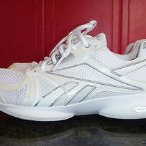 Reebok Easy Tone White Sneaker Women Shoe Size 8 Mesh Non-Marking Out Sole Euc  Photo