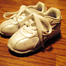 Reebok Girls White and Violet Shoes Size 7 Photo