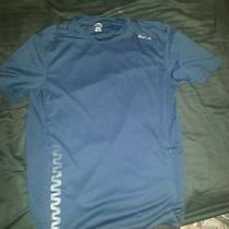 Reebok Medium Workout Shirt  Photo