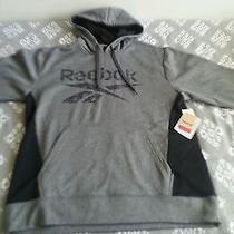 Reebok Men's Pullover/sweater Photo