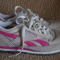 Reebok Size 9.5 Womens Sneakers Beige Pink  Photo