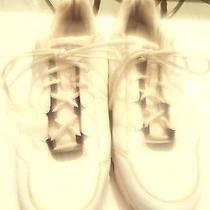 Reebok-- Women's Sneakers-- White--Size 10-- Photo
