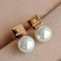 Rosegold Plated Earrings for Lady Women Girls Photo