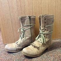 Roxy Boots Photo