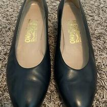 Salvatore Ferragamo Boutique Womens Low Heel Pumps Black Leather Size 7 Italy Photo