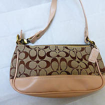 Samall Coach Shoulder Handbag Photo