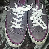 Size 10 Womens Converse Sneakers Photo