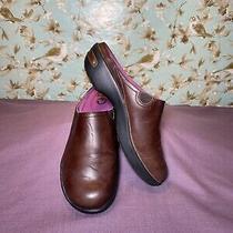 Size 7.5  Crocs Womens Leather Mule Clog Cobbler 2.0 Brown Slip On Photo
