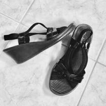 Skechers Sandals Black Size 8 Wedges 2-1/2