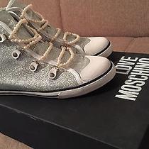 Sneakers Love Moschino  Photo