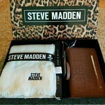 Steve Madden 2 Pc Set Scarf /wrist Wallet New in Box Vanilla Scarf/ Brown Wallet Photo