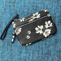 Steve Madden Black and White Floral Wristlet Faux Leather  Photo