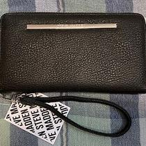 Steve Madden Black Pebbled Zip Around Wallet Wristlet in Black New With Tags Photo