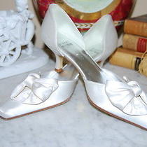 Stuart Weitzman Couture White Satin Low Heel Bow Wedding Shoes Nwob Size 7 1/2 M Photo