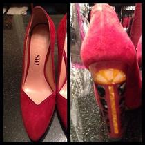 Sw1 Stuart Weitzman Scallopini Red Mother of Pearl Pump 6m Photo