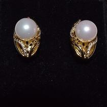 Swarovski Elements Fashion Jewelry Gold Tone Pearl Earrings Photo