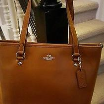 Tan Coach Tote Photo