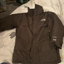The North Face Boy's  Hyvent Winter Parka Jacket Size Small Photo