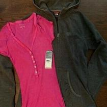 The Northface Women's Polartec Classic Full Zip Hooded Jacket W/ Guess Tee Xs Photo