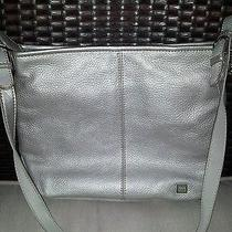 The Sac Handbag.  Silver Leather. Photo